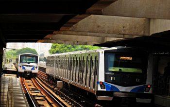 música ambiente Trens do Metrô linha 1-Azul retorno do feriado