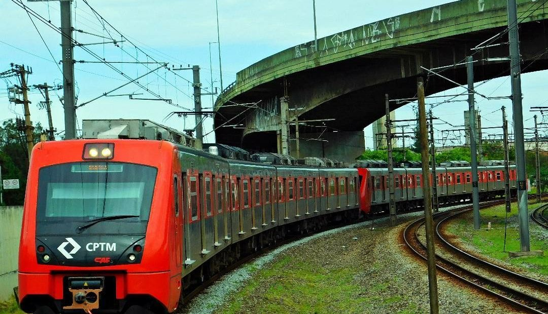 Trem série 7000 da CPTM