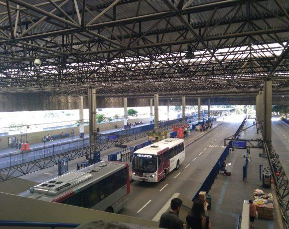 Terminal de ônibus Santo Amaro postos