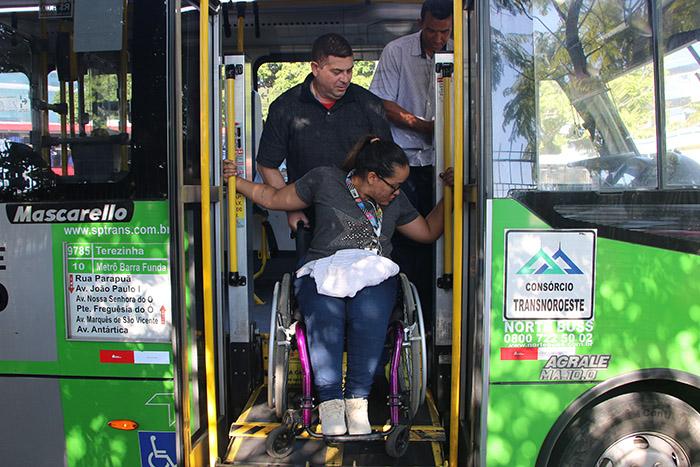 Motoristas de ônibus acessibilidade