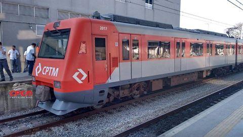 Trem série 2000 linha 12-Safira