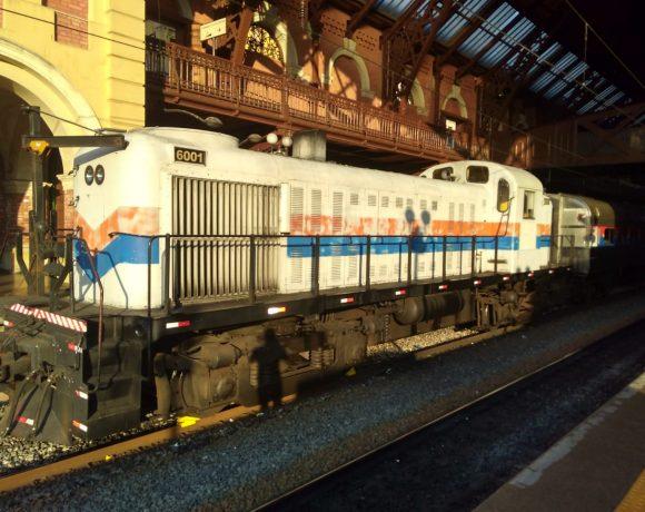 Obras de modernização Locomotiva do Expresso Turístico da CPTM