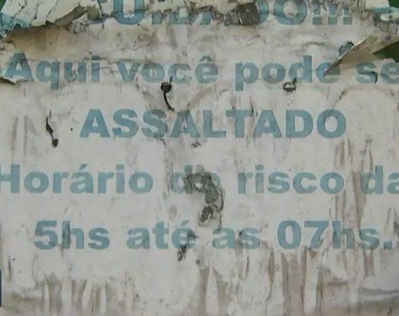 Ponto de ônibus em São Paulo tem alerta contra roubo Jaraguá