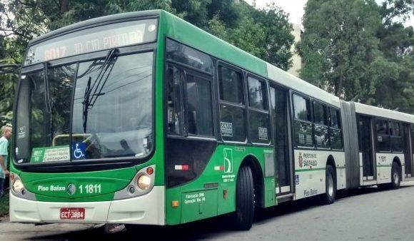 Ônibus da linha 8017/10