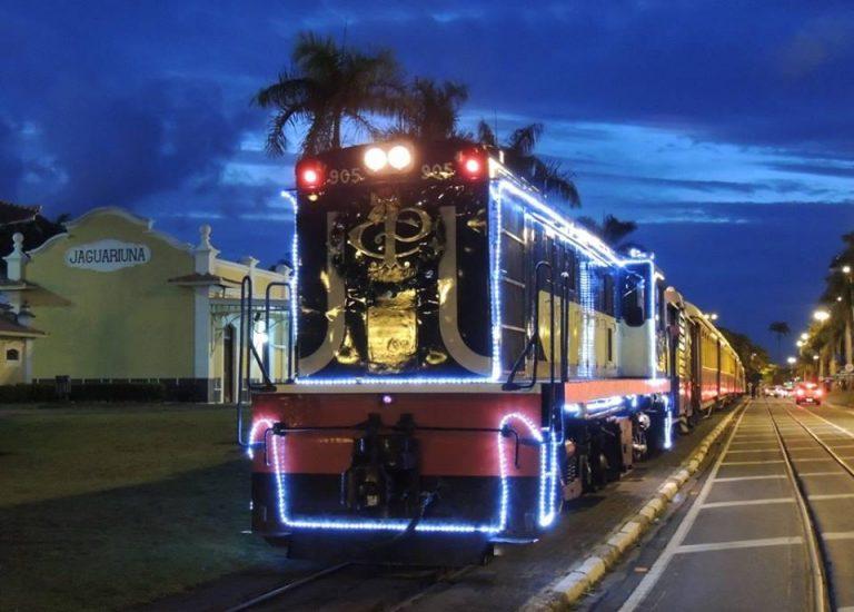 Locomotiva natalina da ABPF passeio de trem