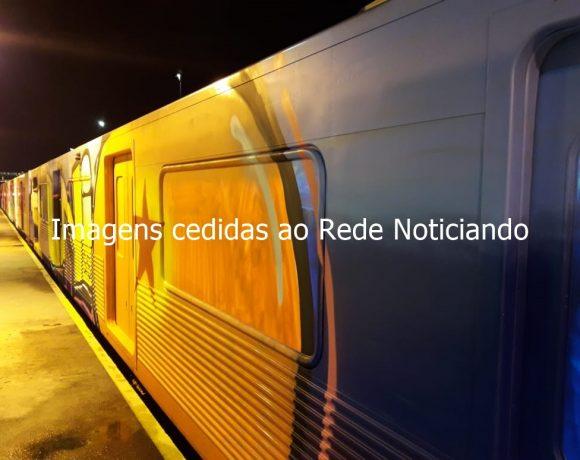 Trem vandalizado no Metrô