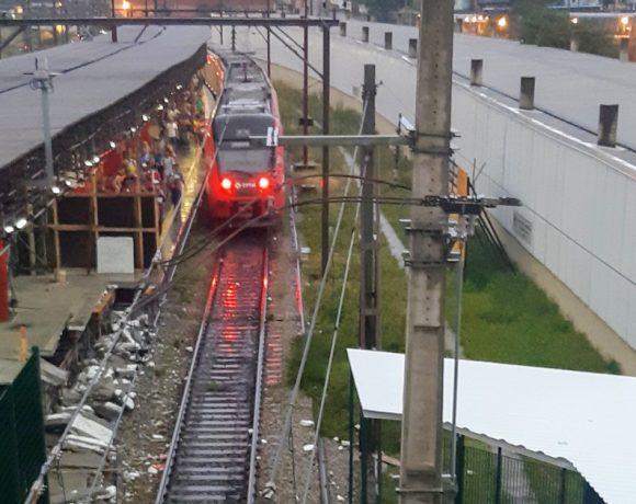trem intercidades Estação Francisco Morato da Linha 7-Rubi