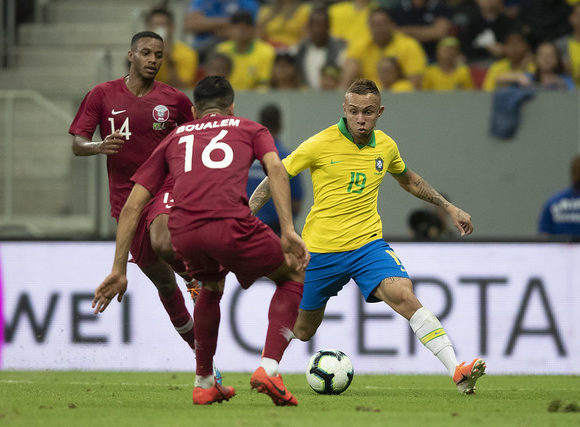 Brasil vence o Catar no Estádio Nacional de Brasília