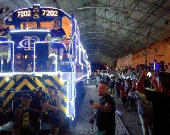 trem iluminado
