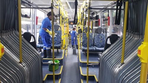 limpeza de ônibus