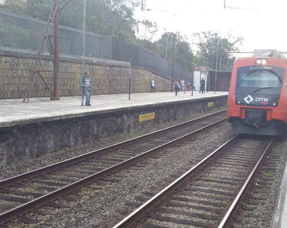 Trem da CPTM na Linha 10